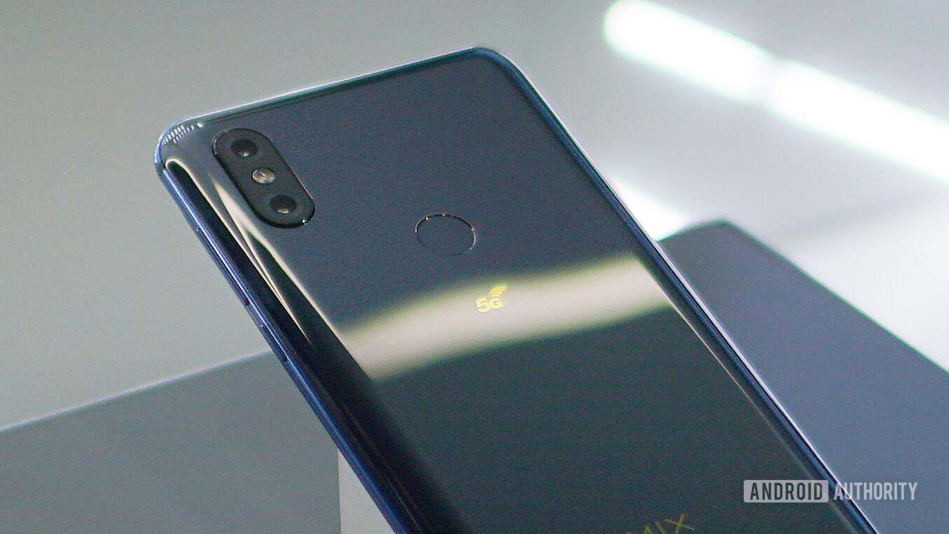 5Gに対応したAndroidスマートフォンXiaomi-Mi-Mix-3-5G