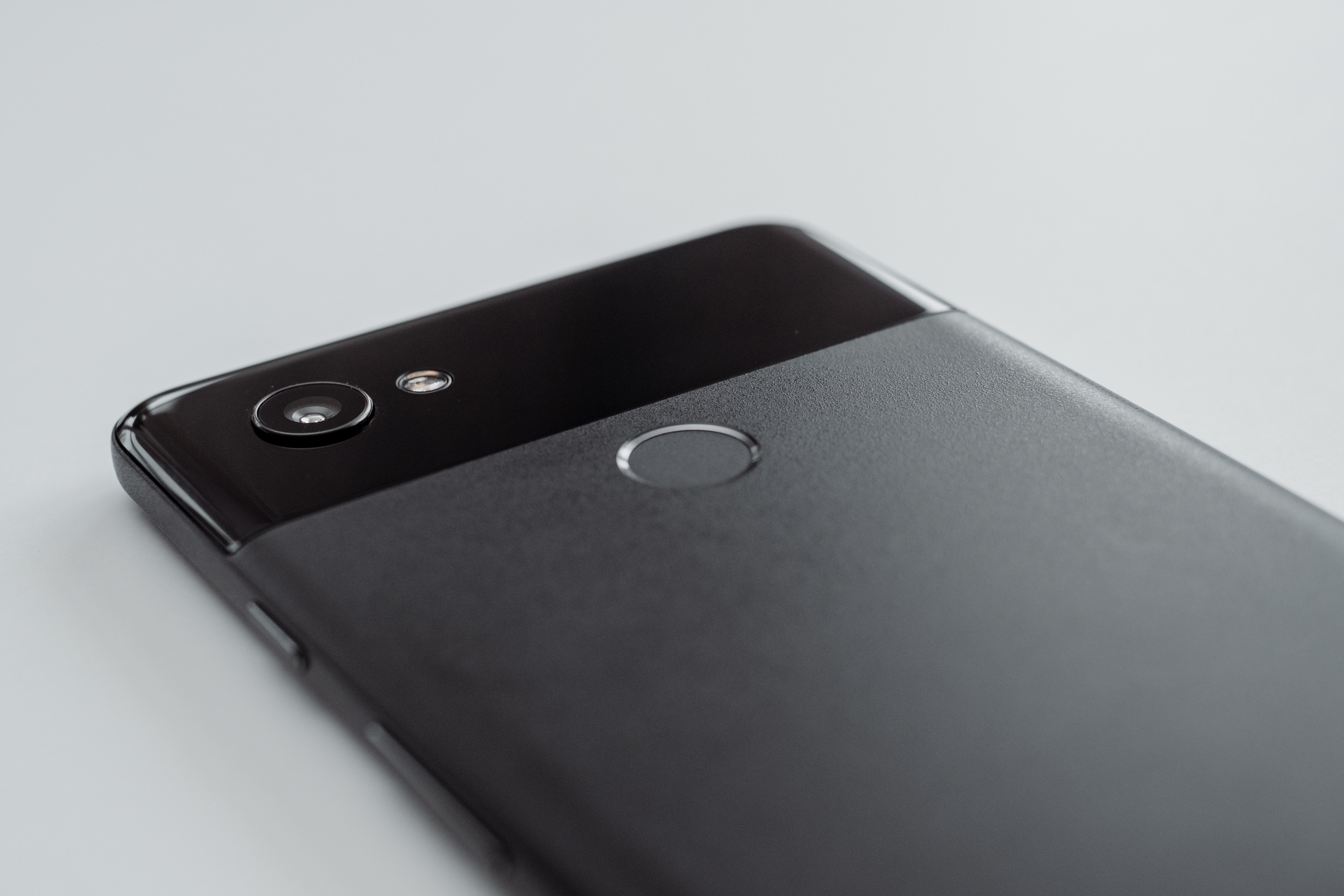 Google Pixel 4に向けた準備だとすると「顔認証」機能の検証?